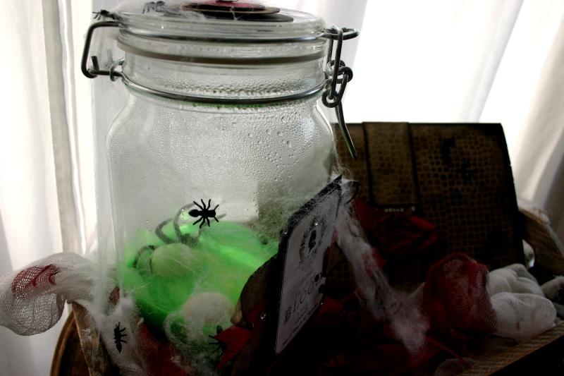 Scary Einweg-Glas mit Slimy