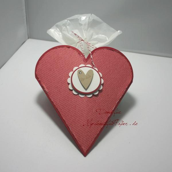 Herzige Verpackung aus Blütenkelch