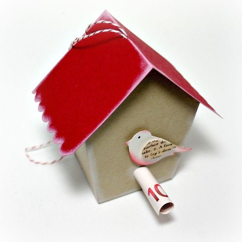 Vogelhaus mit Piepen