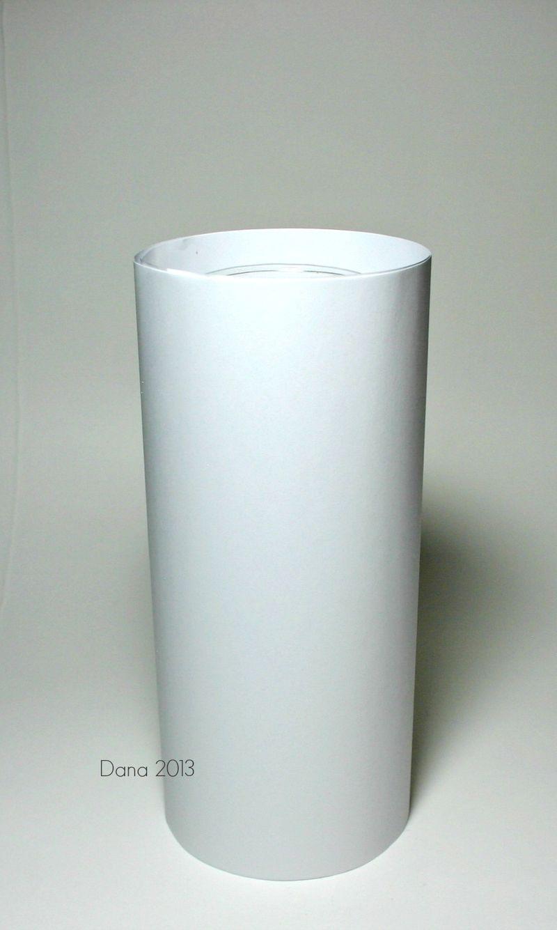 Teelichtglas mit Papierhülle